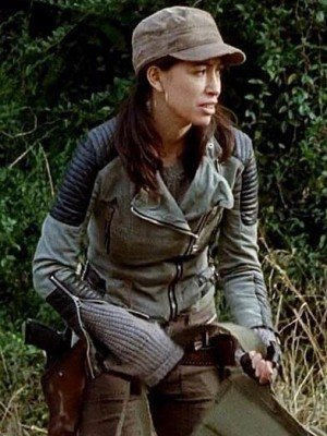 the-walking-dead-christian-serratos-jacket