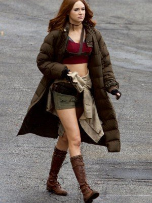 Jumanj Welcome to the Jungle Karen Gillan Coat