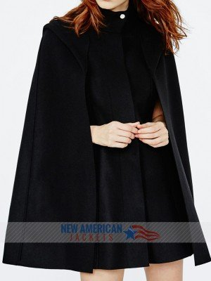 veronica lodge's black hooded cloak