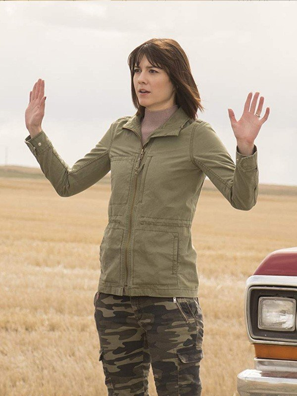 Mary-Elizabeth-Winstead-cotton-jacket