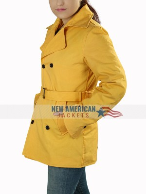 Anna Kendrick A Simple Favor Yellow Coat