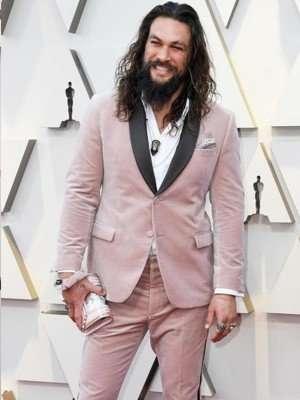 Jason Momoa's Pink Oscars Tuxedo