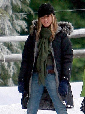 Jennifer Aniston Marley and Me Black Coat