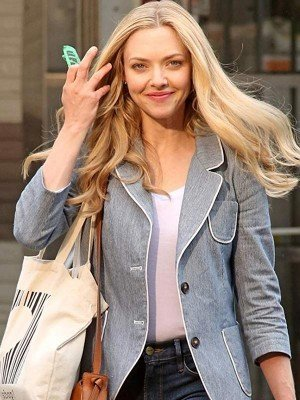 The Art of Racing in Rain Amanda Seyfried SkyBlue Bazer