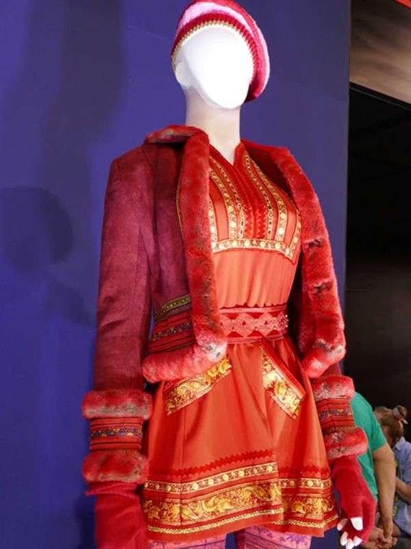 Anna Kendrick Red Jacket