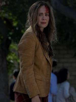 Bird Box Sarah Paulson Blazer coat