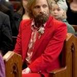 Viggo Mortensen Red Suit