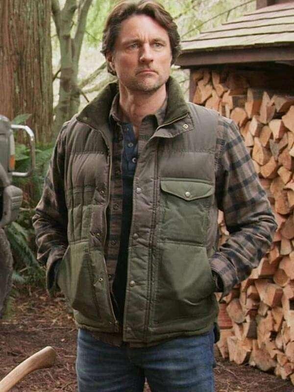 TV Series Virgin River Martin Henderson Vest