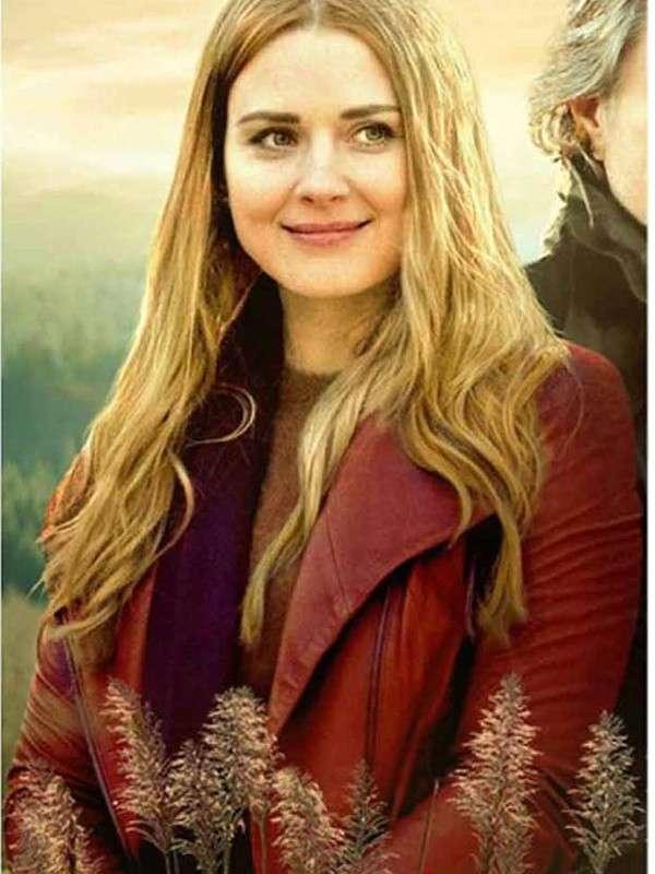 Melinda Monroe Virgin River S02 Red Jacket