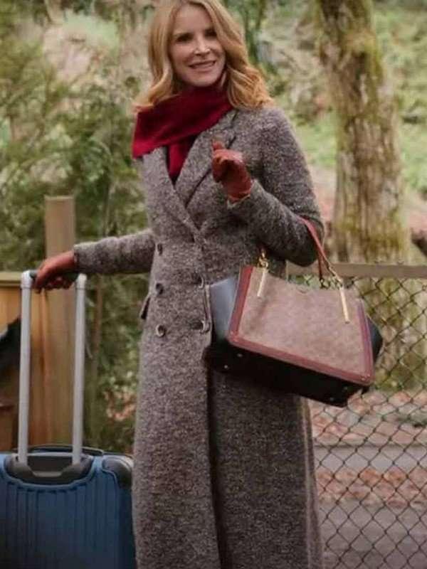 Virgin River S02 Jenny Cooper Coat