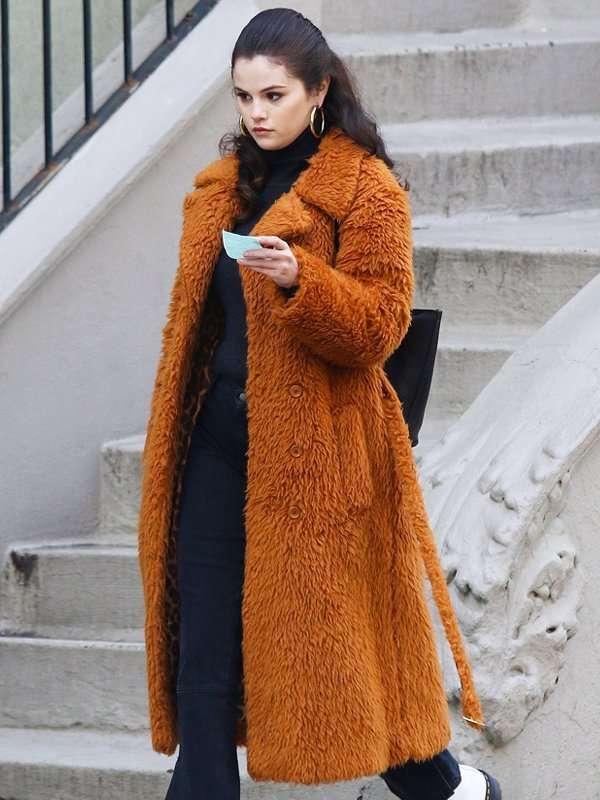 Selena-Gomez-Only-Murders-In-The-Building-Mabel-Brown-Long-Fur-Coat