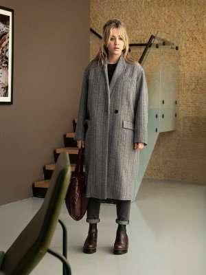 Kaley-Cuoco-The-Flight-Attendant-Grey-Long-Coats