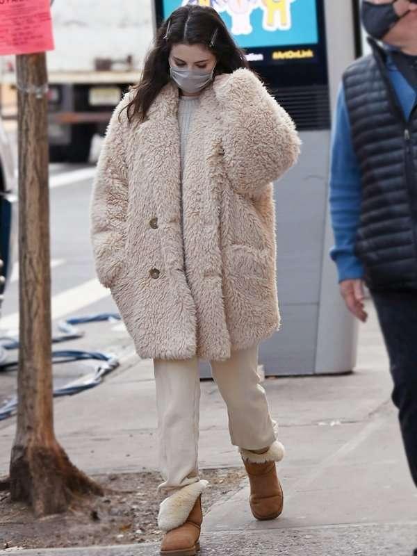 s-Only-Murders-In-The-Building-Selena-Gomez-Beige-Coat